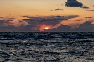 Sonnenuntergang-bei-60-mm-auf-Sylt