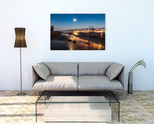 Elbstrand-am-Abend-mit-Mondlicht-Wandbild